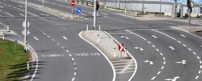 Fast autofreie Bundesstraßen und Kreuzungen in Gmunden.