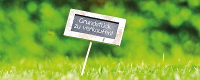 """Schild """"Grundstück zu verkaufen"""""""