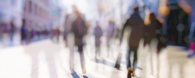 Menschen auf einer Straße