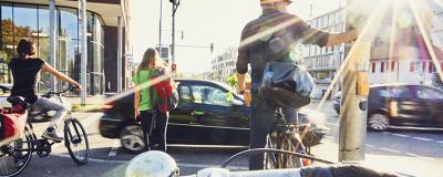 Radfahrer im Sonnenschein