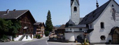 Kirche in einem Dorf
