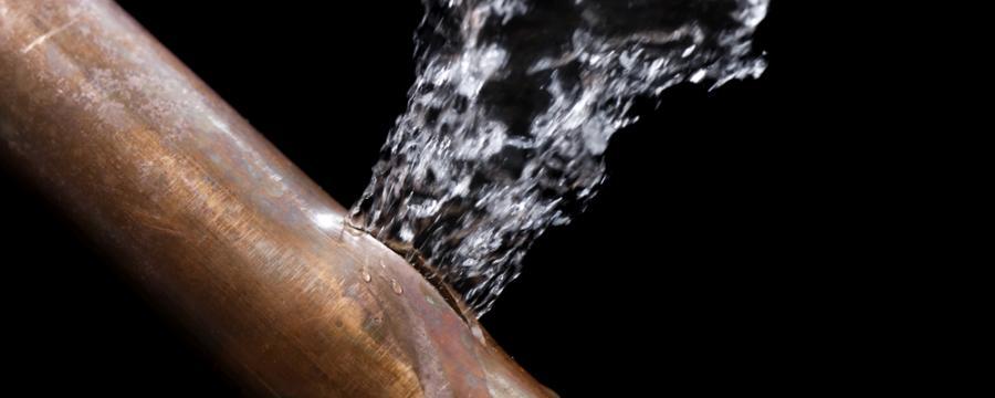 Beschädigtes Wasserrohr