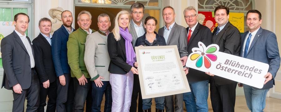 Die Unterzeichner der Charta der Zusammenarbeit für Biodiversitätschutz
