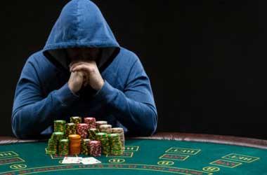 Poker social recluse