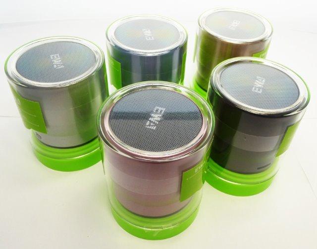 bluetooth mini mobiler lautsprecher box mit. Black Bedroom Furniture Sets. Home Design Ideas
