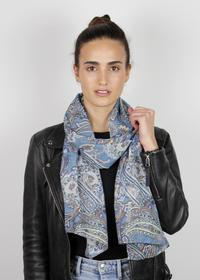 Softweicher Paisley-Schal aus recyceltem Polyester