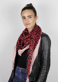 Softes Leo-Tuch aus recyceltem Polyester