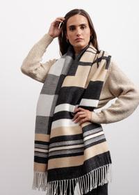 Kuschelweicher Mustermix-Schal mit Karos und Streifen