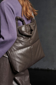Tasche in Leder-Optik, warm grey