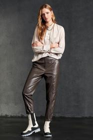 Tapered Pants in Leder-Optik, warm grey