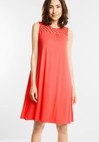 Kleid mit geknüpfter Passe
