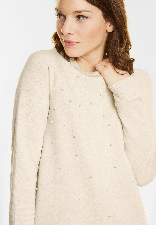Weicher Sweater mit Perlen