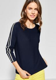 Dolman sleeve w/ stripe detail