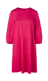 Kleid mit Stufenvolants