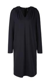 Jerseykleid mit Schulterbetonung