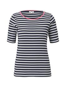 T-shirt stripe contrast neck