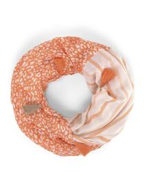scarf printed with tassels