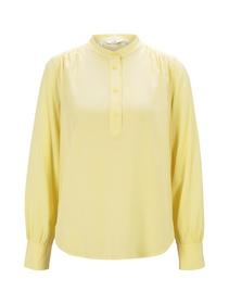 blouse with