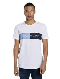 T-shirt with chestprint
