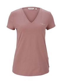 v-neck tee with embro, cozy rose