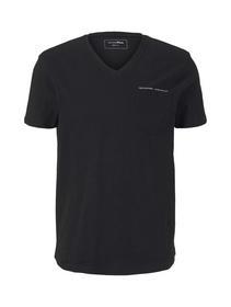v-neck T-shirt w. pocket