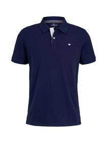 basic polo with contrast