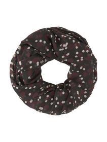 scarf loop p