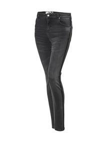 Evita black