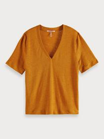 Classic linen tee with v-neckline