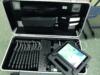 """Blick in den """"Ausrüstungskoffer"""" für digitalen Unterricht – Ausleihe vom Medienzentrum. Zu sehen sind verschiedene Tablets."""