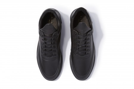 Low top astro all black