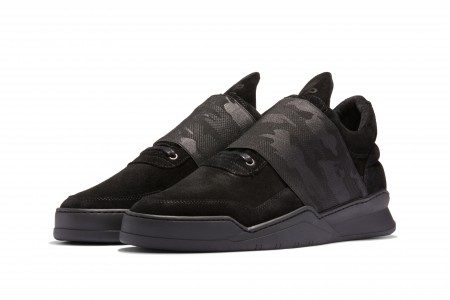 Low top elastic strap camo all black