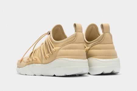 Runner 3.0 low laced nude