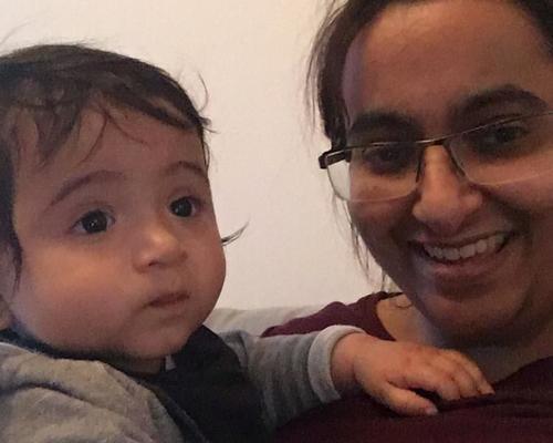 Mamma och två-åring söker lägenhet.