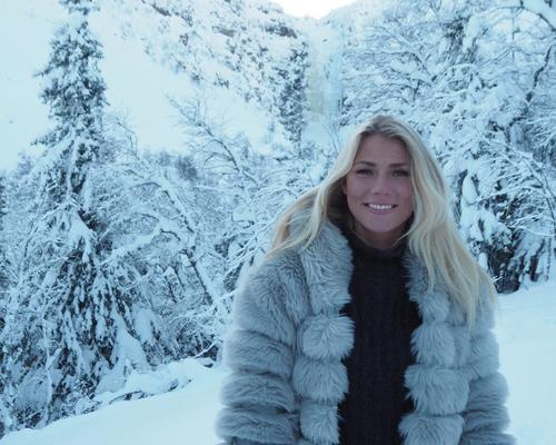 23årig kvinna söker bostad