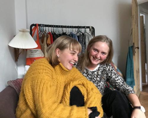 Venindepar søger lejlighed i København, Valby, Frederiksberg