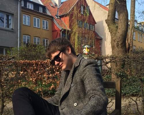 Kreativt par søger fælles lejlighed i København (min. 2 vær.)