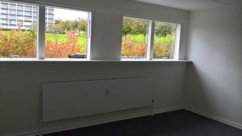Stor 1 værelses lejlighed på 26 m2 med egen indgang