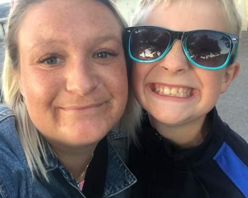 Enlig mor med søn på 11 år og chihuahua på 12 år søger nyt hjem!