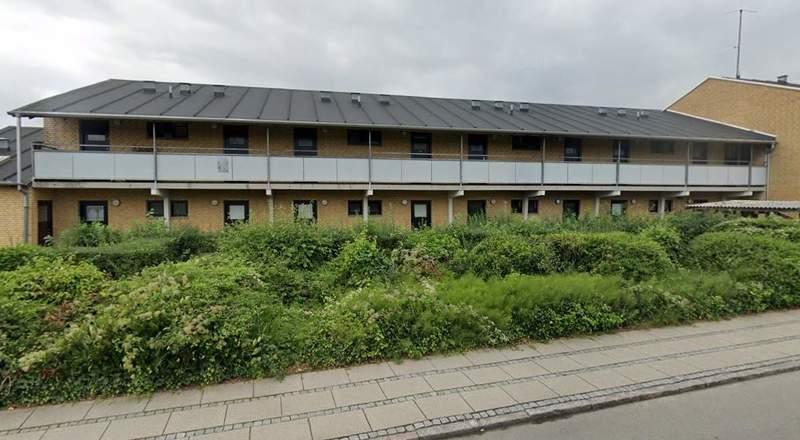 Lys 2 værelse lejlighed i Odense M