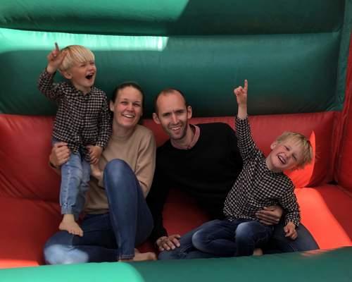 Familie på fire søger bolig
