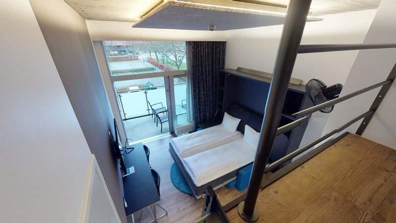 Vores Studio Apartments er på hele 30 m2 og har plads til 4 sovende gæster og er alle udstyret med stor altan.