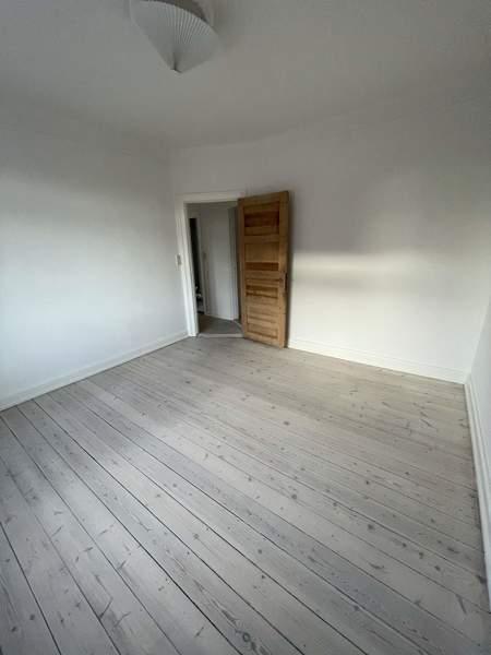 2 v. lejlighed på Kochsgade med adgang til have (Perfekt til dele)