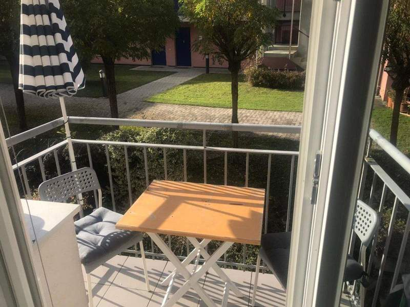 Shared apartment for 3 people with a large balcony and large garden