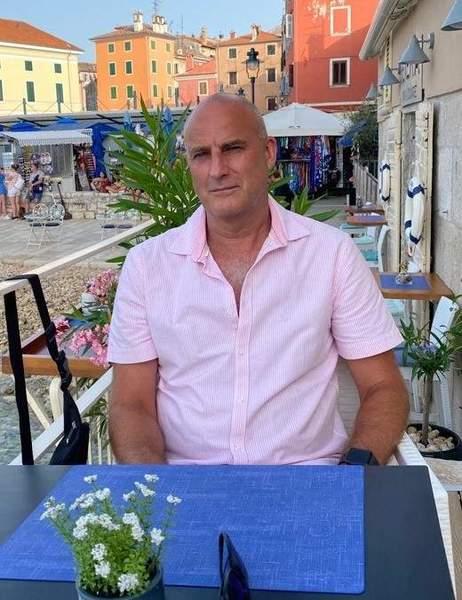 Moden mand søger lejlighed på Frederiksberg