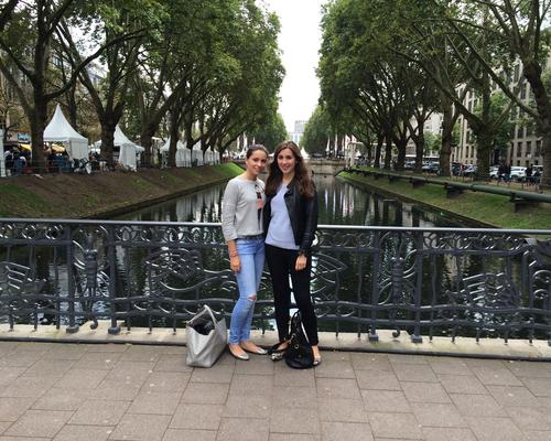 2 FEMALE STUDENTS LOOKING FOR AN APARTMENT