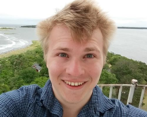 Student looking for a room or apratment for a 6 month period
