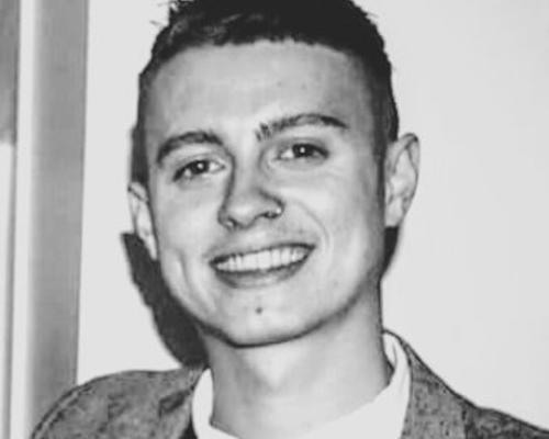 Canadian Masters Student looking for roomates