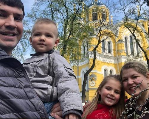 Family with 2 children looking for appartment