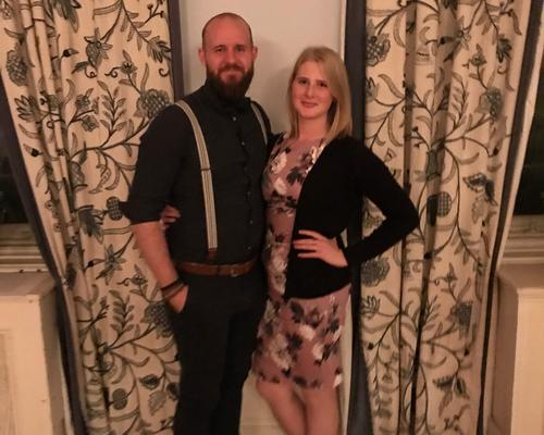 Couple looking for 1-2 room apartment in Jönköping